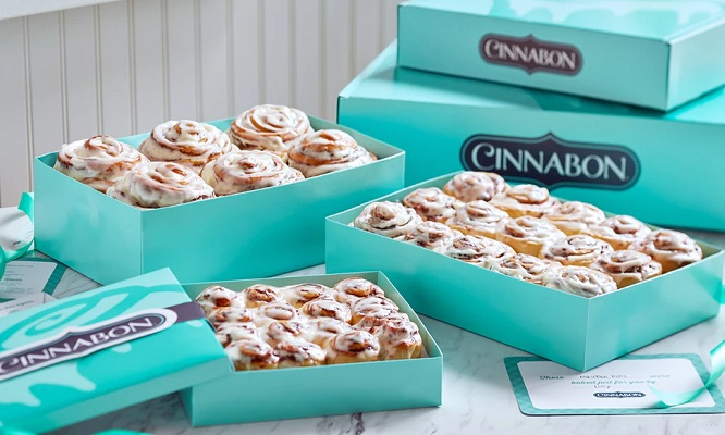 Cinnapack de 4 o 6 o 9 rollos de canela en Cinnabon - 4 sedes