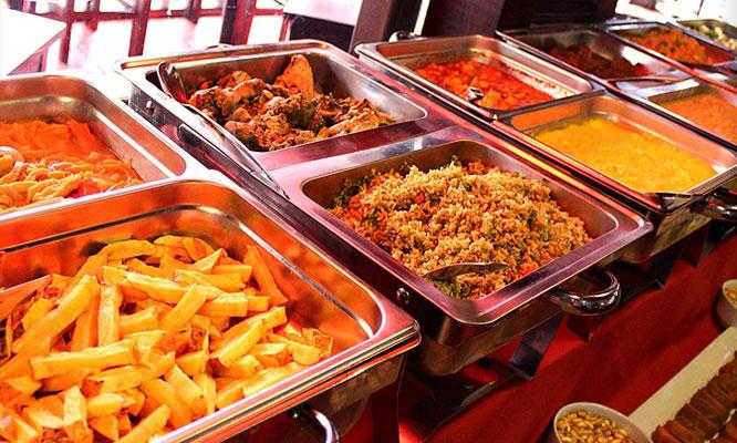 Almuerzo buffet criollo para 1