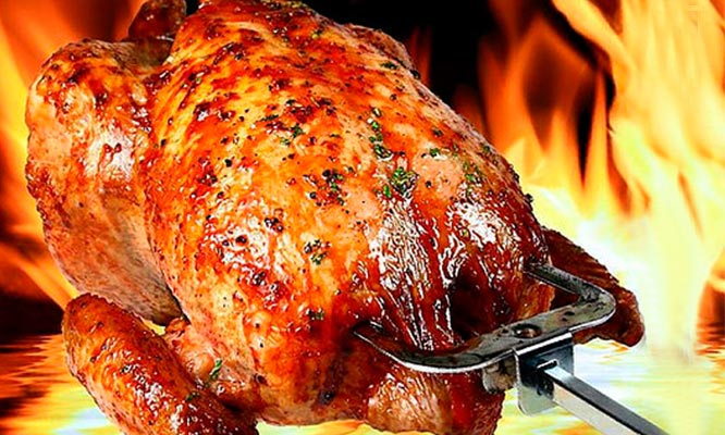 Pollo a la brasa papas ensalada