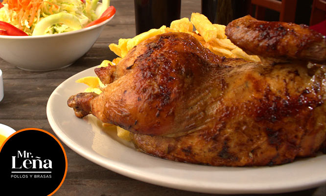 1 Pollo a la leña papas fritas ensalada gaseosa para llevar o delivery