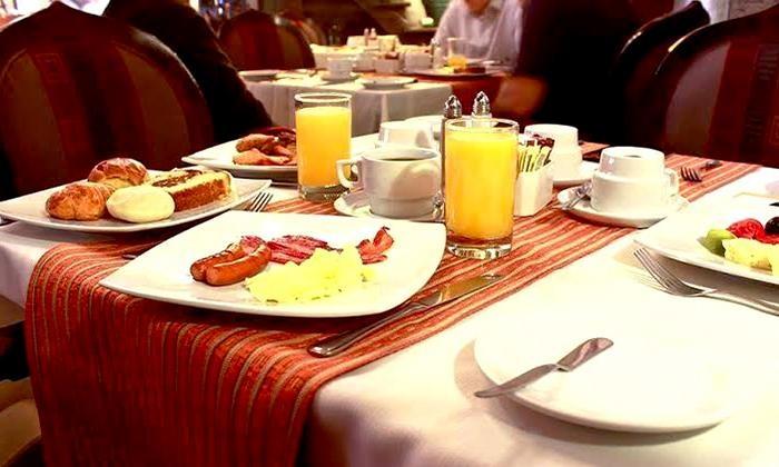 Desayuno buffet clasico o criollo para uno o dos
