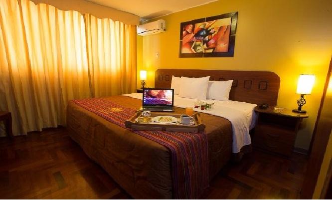 Noche romantica en departamento matrimonial frente al mar en Hotel Inkari Apart