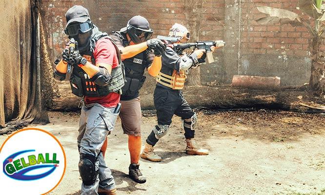 Batalla de Gelball para 4 u 8 personas con balas luminiscentes y sin dolor
