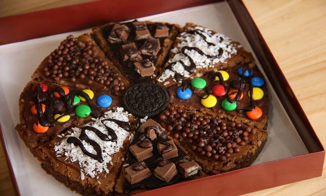 Deliciosa Pizza Brownie corazon Delivery de ¡Hey Brownie!