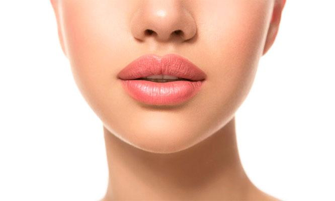 Maquillaje semipermanente de color de labios