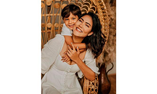 Sesion de 'Dia de la Madre' Fotos digitales Tarjeta digital de saludo y mas