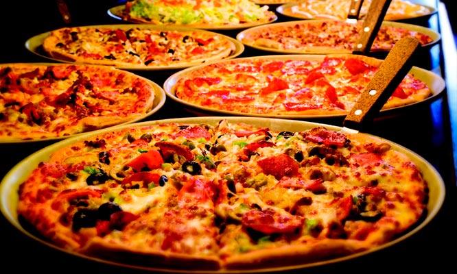 Pizza a eleccion para 2 personas