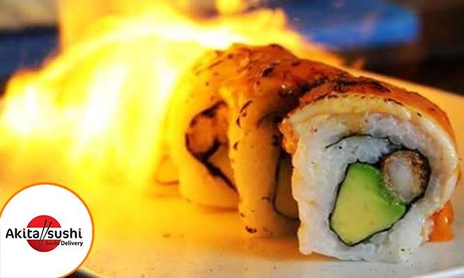 40 cortes de makis 2 gaseosas 500ml Elige cuatro sabores de la carta en Akita Sushi