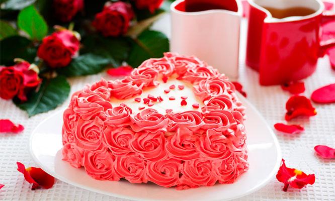 Torta Buttercream en Forma de Corazon de 15 o 20 Porciones