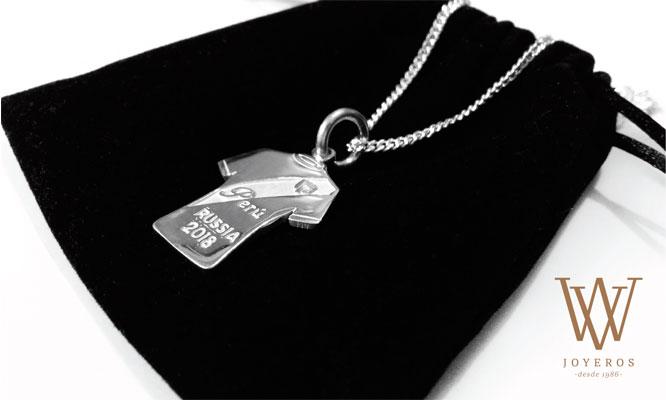 Dije camiseta Peru cadena de plata 925 bolsita de regalo delivery
