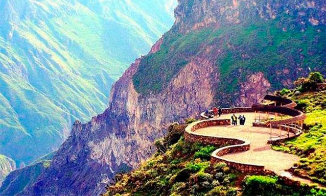Arequipa 4D/3N en la cuidad blanca y el Cañon del Colca con city tour y mas