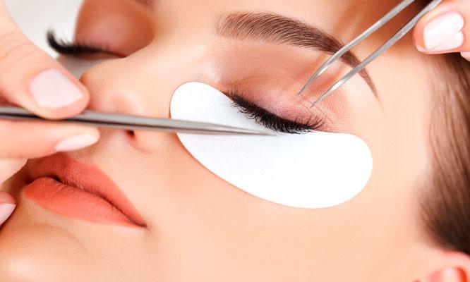 Extensiones de pestañas Depilacion de rostro completo o planchado de cejas