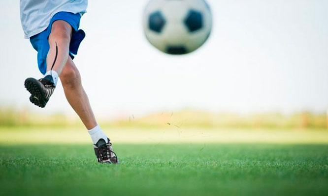 12 clases de futbol para niños Elige el horario