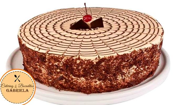 Torta 3 leches de vainilla o torta de pecanas o torta de moka de 16 porciones delivery