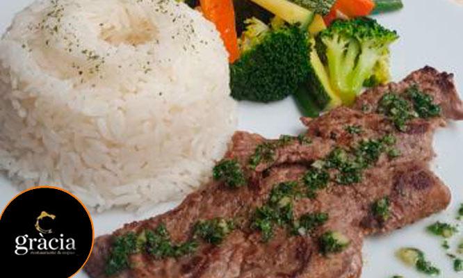 PARA DOS Almuerzo o Cena con entrada fondo y postre