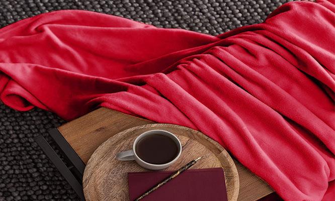 Manta polar color a elegir con delivery 24hrs ¡Protegete del frio con estas mantitas!