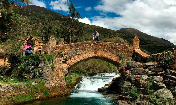 2D/1N en Huancaya Vilca Bosque del amor y mas