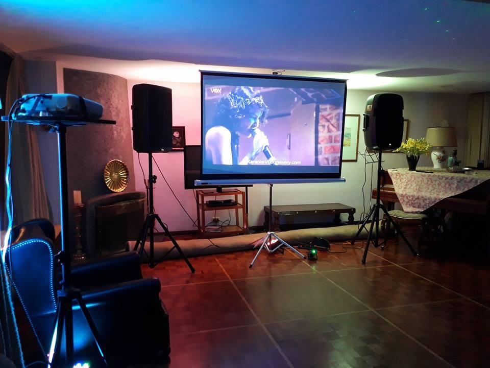 Karaoke en casa Parlantes microfonos catalogo con 32000 canciones y mas
