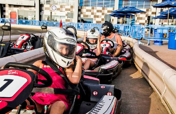 Circuito de karting para 1 niño o 1 adulto en el Boulevard de Asia