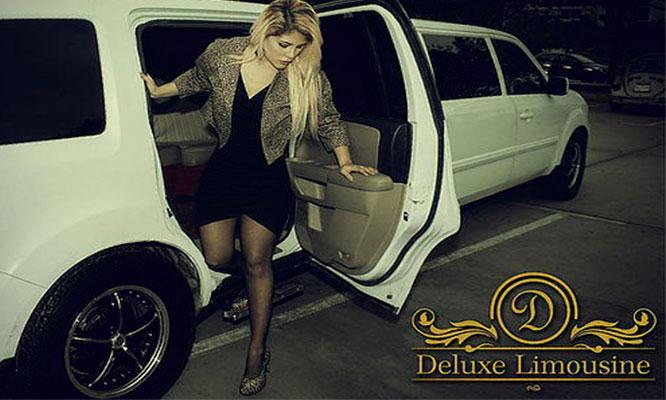 Paseo Delux en Limusina 2 o 4 horas con 3 filas de asientos hasta 12 personas