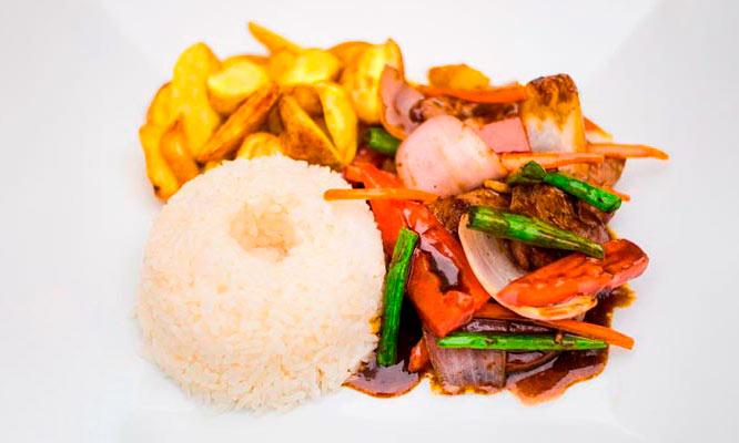 Almuerzo criollo para 4 personas con opcion a recojo o delivery con Big Mar Cevicheria