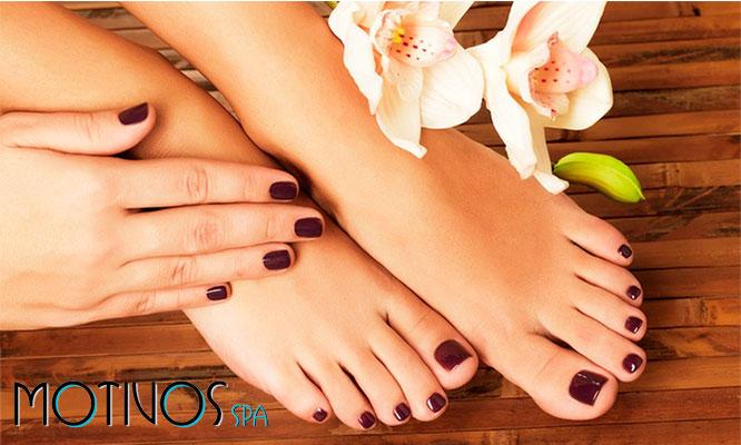Manicure y pedicure con esmaltado completo