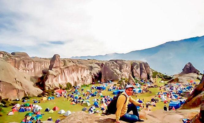 Marcahuasi 2D/1N en campamento ida y vuelta almuerzos excursion y mas