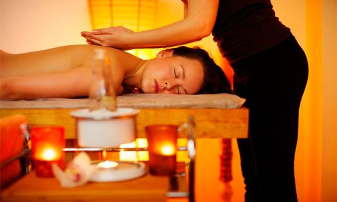 Masajes relajantes antiestres aceite de manzanilla y mas