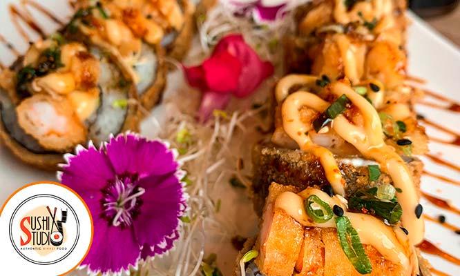 """¡20 super makis! tu eliges los sabores bebida cortesia en """"Sushi Studio"""