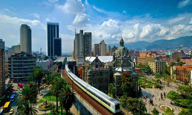 Medellin 2 o 3 noches traslados y mas