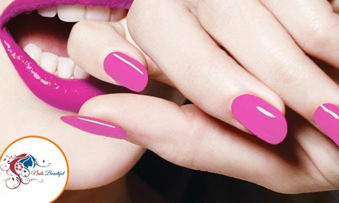Uñas de gel pintado de uñas