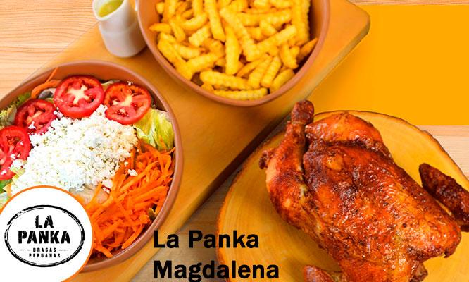 Pollo entero a la brasa papas ensalada chicha en La Panka