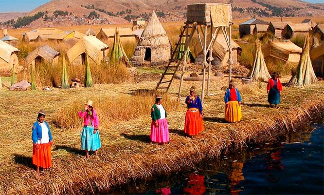Puno Full Day en las Islas del Lago Titicaca con tour alimentacion transporte y mas