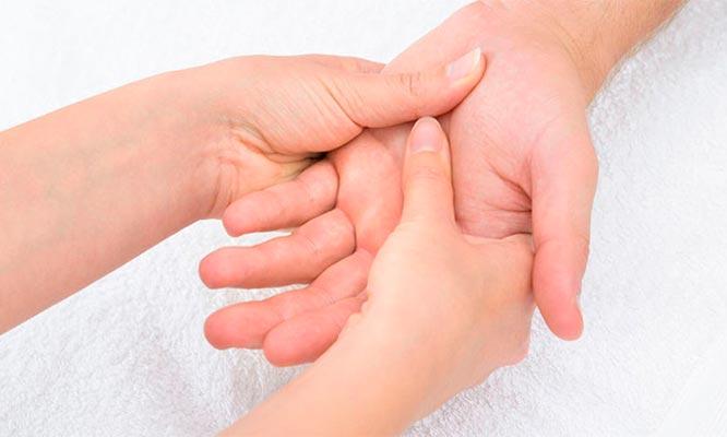 Sesion de masajes piedras calientes reflexologia y mas
