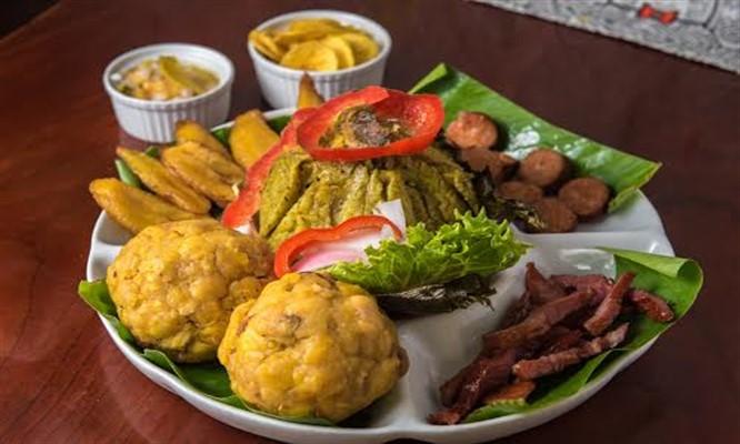 Ronda a La Anaconda que incluye juane de pollo tacacho y mas