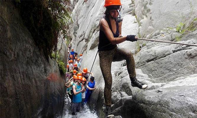 Full day Songos aventura en toboganes naturales visita a Chosica y mas