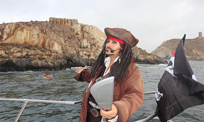 Callao-La Punta recorrido por la bahia en yate con piratas