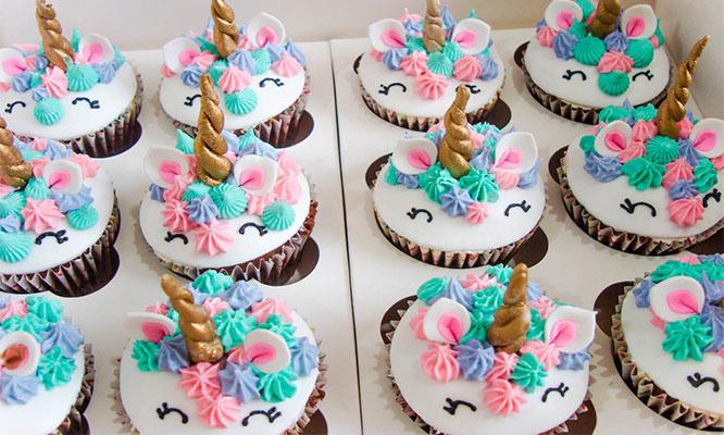 Torta Unicornio de 1 o 2 pisos con keke de sabor a elegir