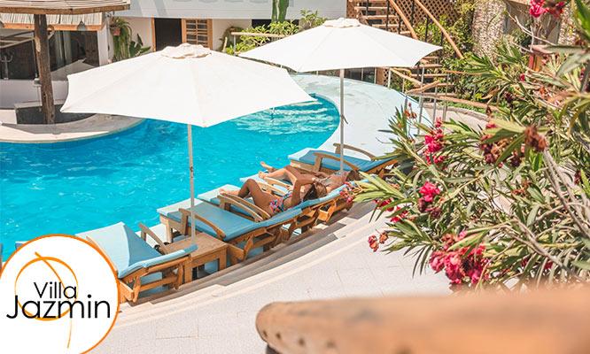 2D/1N o 3D/2N para 2 personas Desayuno buffet en Hotel Villa Jazmin