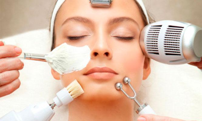 Peeling de verano con ultrasonico limpieza facial con exfoliador mascarilla y mas