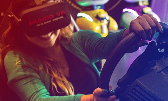 Sesion de Juego de realidad virtual en Mundo VR ¡Muestra tu cupon desde tu celular!